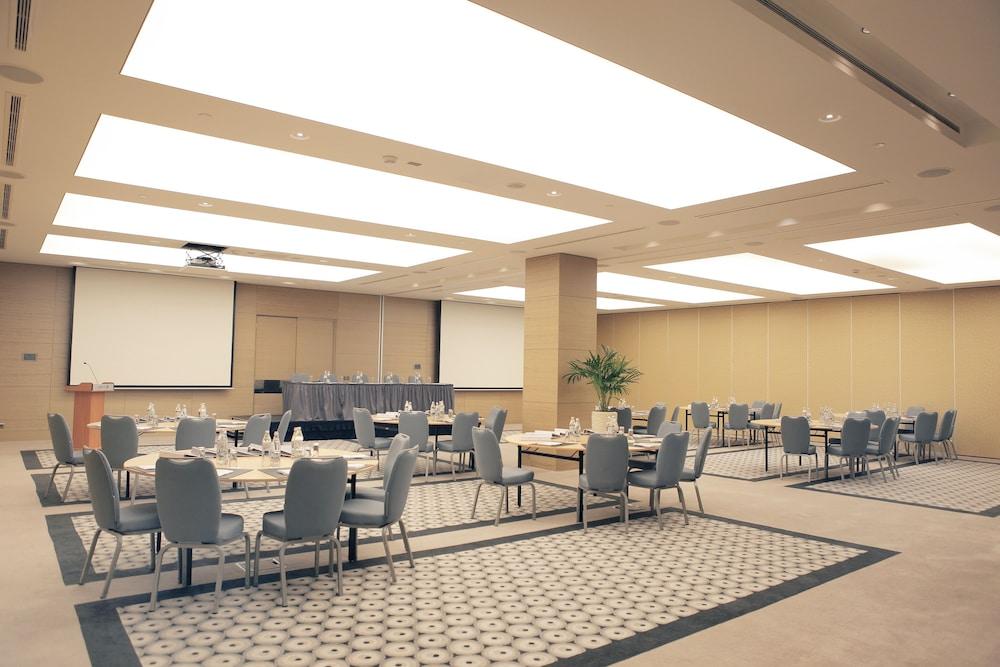 래디슨 블루 호텔 바투미(Radisson Blu Hotel Batumi) Hotel Image 57 - Meeting Facility