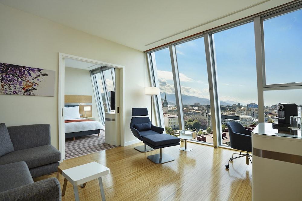 래디슨 블루 호텔 바투미(Radisson Blu Hotel Batumi) Hotel Image 24 - Guestroom View