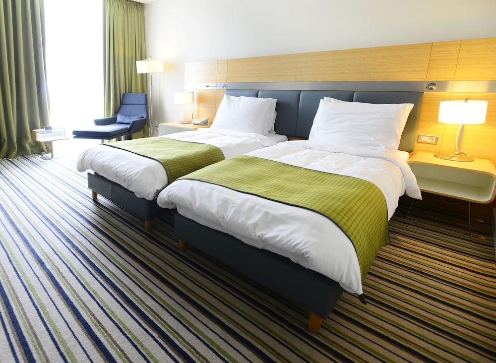 래디슨 블루 호텔 바투미(Radisson Blu Hotel Batumi) Hotel Image 17 - Guestroom