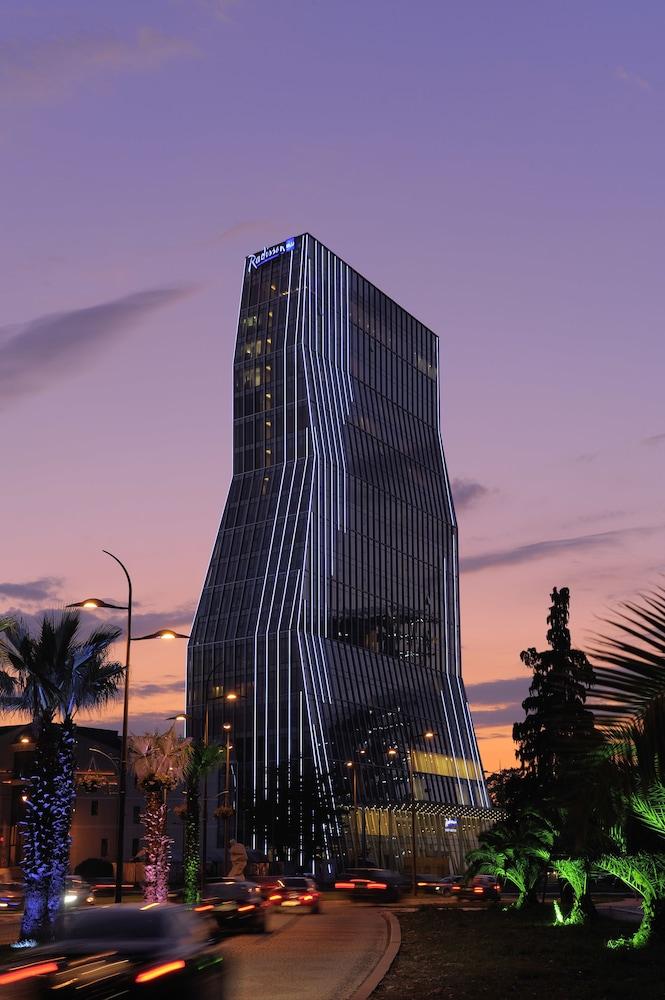 래디슨 블루 호텔 바투미(Radisson Blu Hotel Batumi) Hotel Image 64 - Hotel Front - Evening/Night
