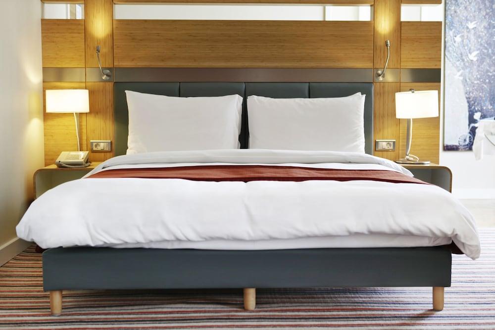 래디슨 블루 호텔 바투미(Radisson Blu Hotel Batumi) Hotel Image 9 - Guestroom