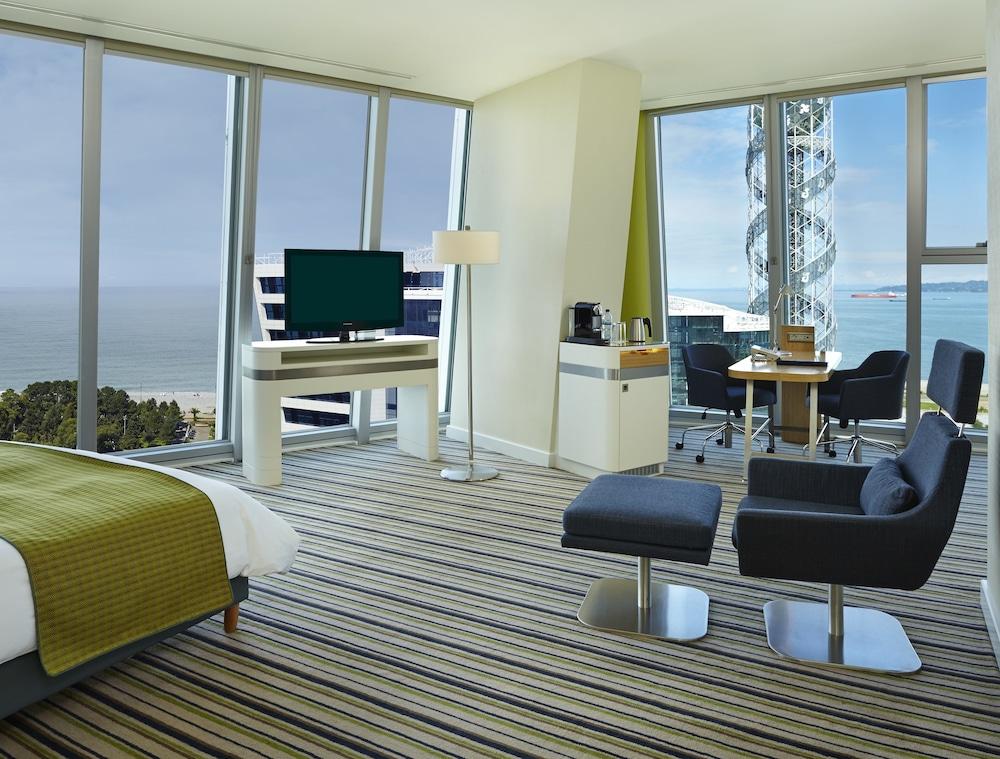 래디슨 블루 호텔 바투미(Radisson Blu Hotel Batumi) Hotel Image 11 - Guestroom