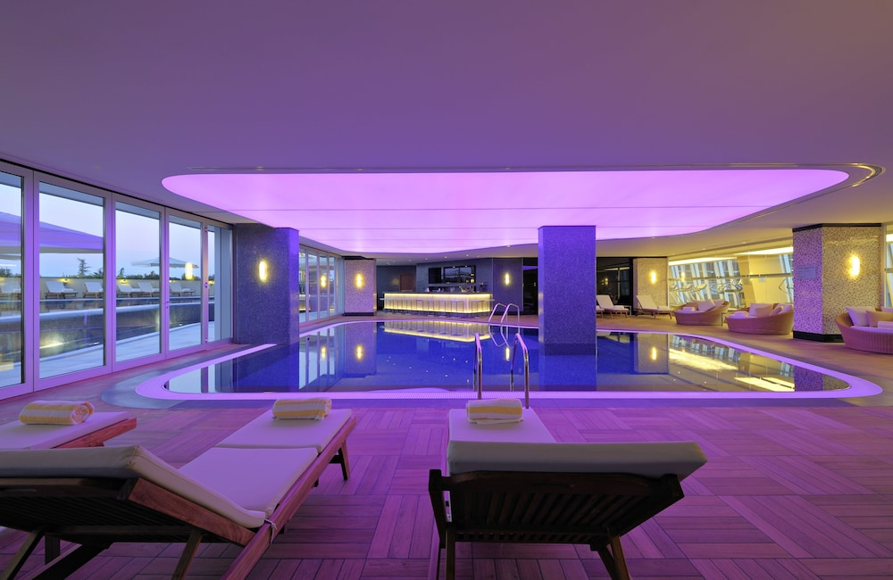래디슨 블루 호텔 바투미(Radisson Blu Hotel Batumi) Hotel Image 37 - Indoor Pool