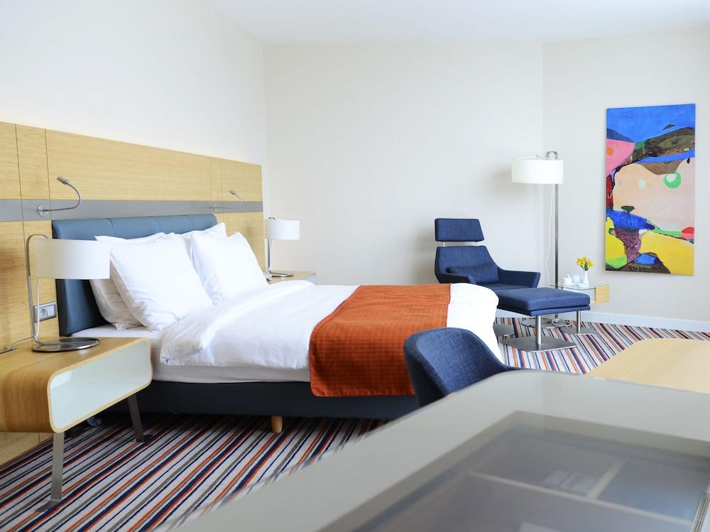 래디슨 블루 호텔 바투미(Radisson Blu Hotel Batumi) Hotel Image 8 - Guestroom