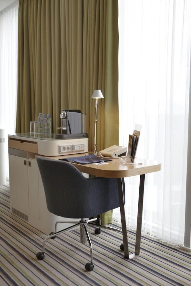 래디슨 블루 호텔 바투미(Radisson Blu Hotel Batumi) Hotel Image 26 - In-Room Coffee