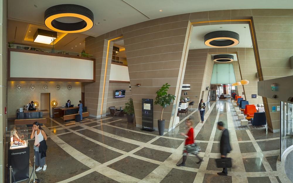 래디슨 블루 호텔 바투미(Radisson Blu Hotel Batumi) Hotel Image 2 - Interior Entrance