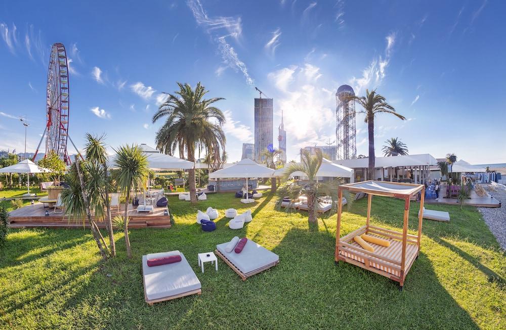 래디슨 블루 호텔 바투미(Radisson Blu Hotel Batumi) Hotel Image 62 - Property Grounds