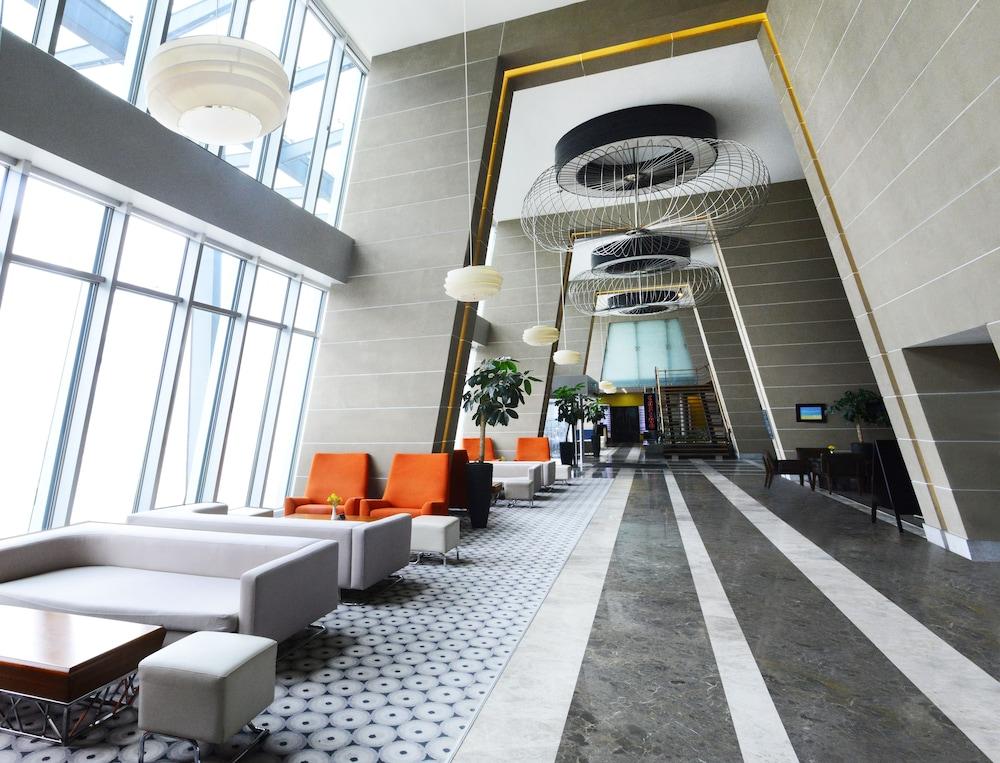 래디슨 블루 호텔 바투미(Radisson Blu Hotel Batumi) Hotel Image 3 - Lobby Lounge