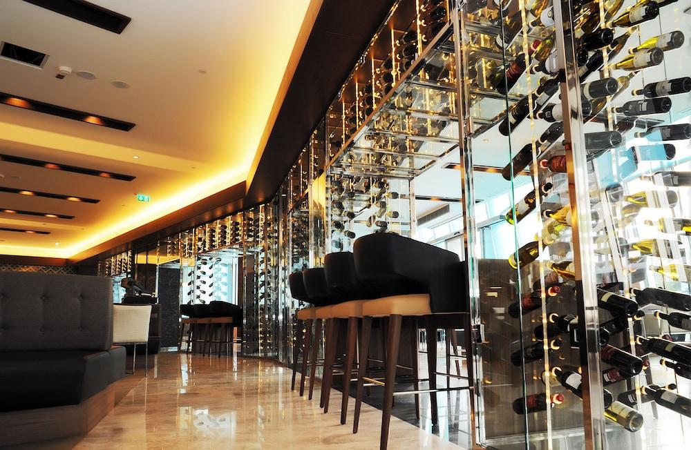 래디슨 블루 호텔 바투미(Radisson Blu Hotel Batumi) Hotel Image 50 - Restaurant