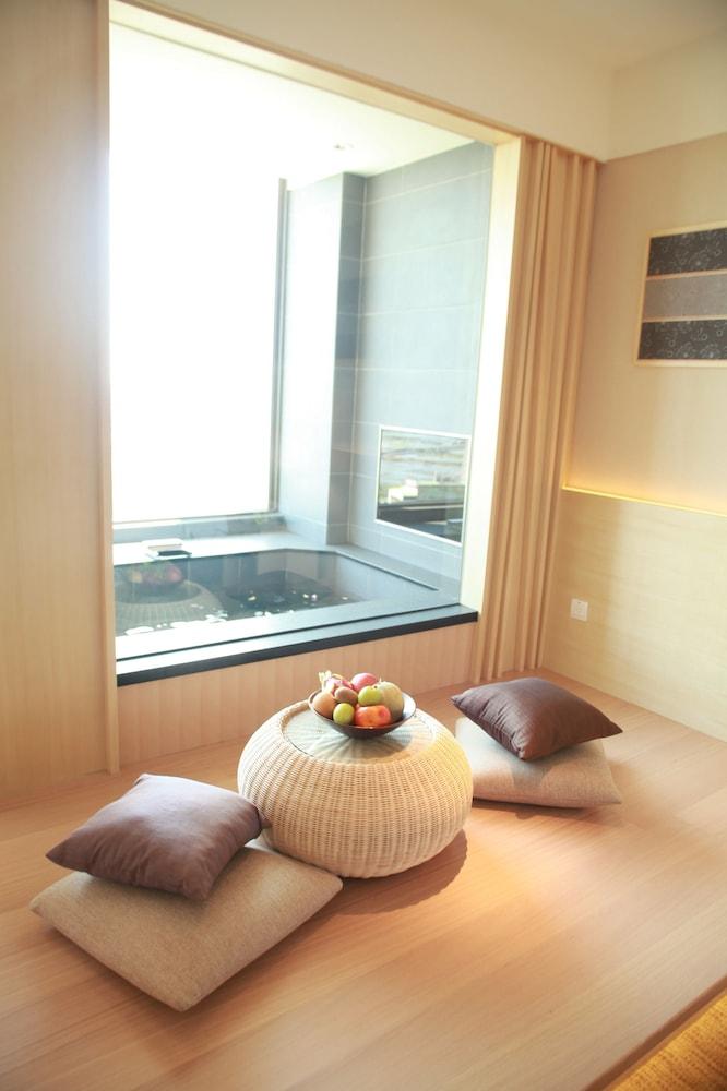 에버그린 리조트 호텔(쟈오시)(Evergreen Resort Hotel (Jiaosi)) Hotel Image 14 - Living Area