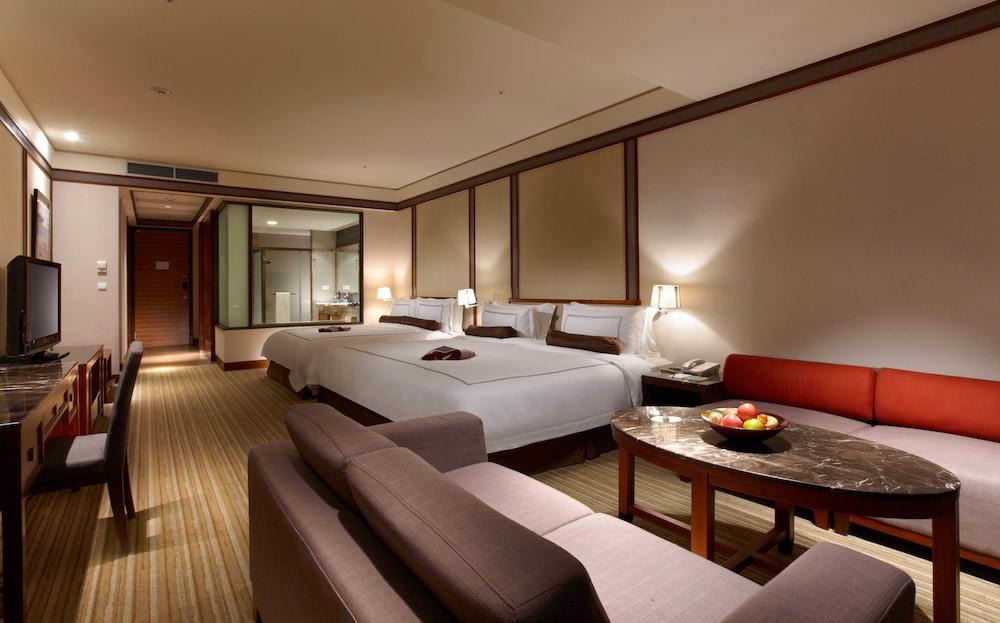 에버그린 리조트 호텔(쟈오시)(Evergreen Resort Hotel (Jiaosi)) Hotel Image 11 - Guestroom