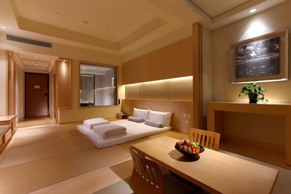 에버그린 리조트 호텔(쟈오시)(Evergreen Resort Hotel (Jiaosi)) Hotel Image 4 - Guestroom