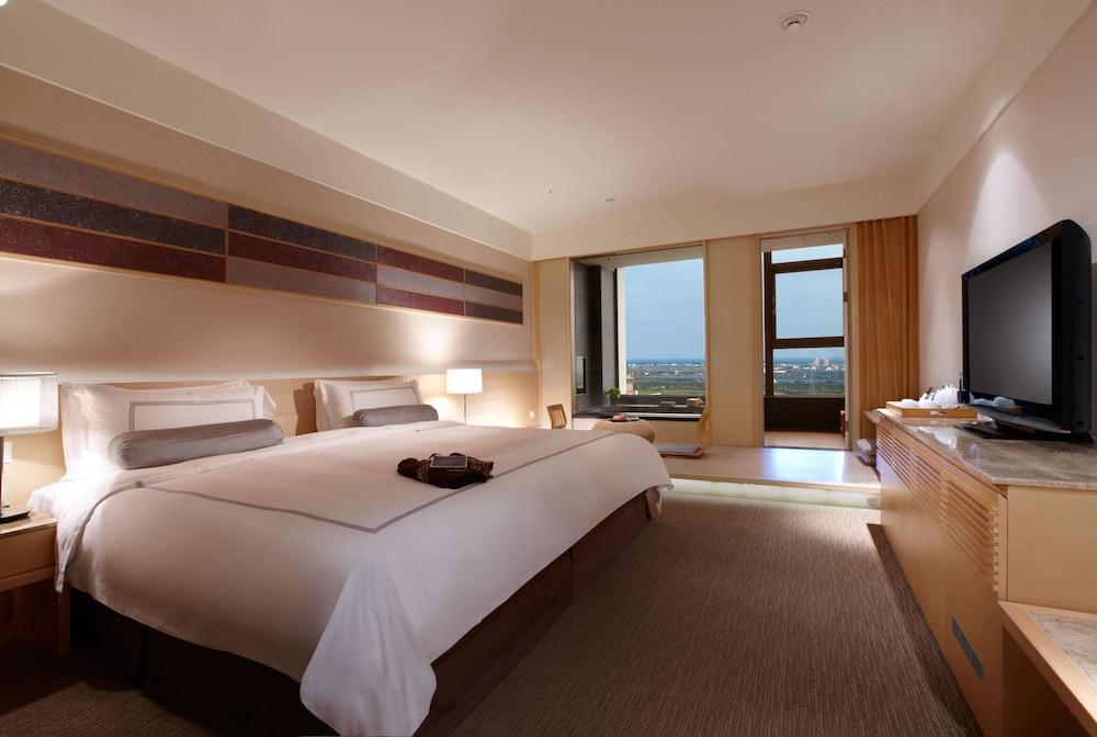 에버그린 리조트 호텔(쟈오시)(Evergreen Resort Hotel (Jiaosi)) Hotel Image 12 - Guestroom