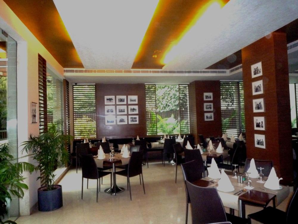 더 비사야(The Visaya) Hotel Image 23 - Restaurant