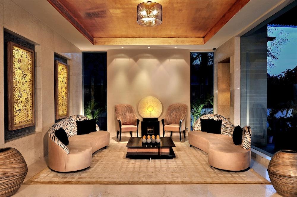 더 비사야(The Visaya) Hotel Image 2 - Lobby Sitting Area