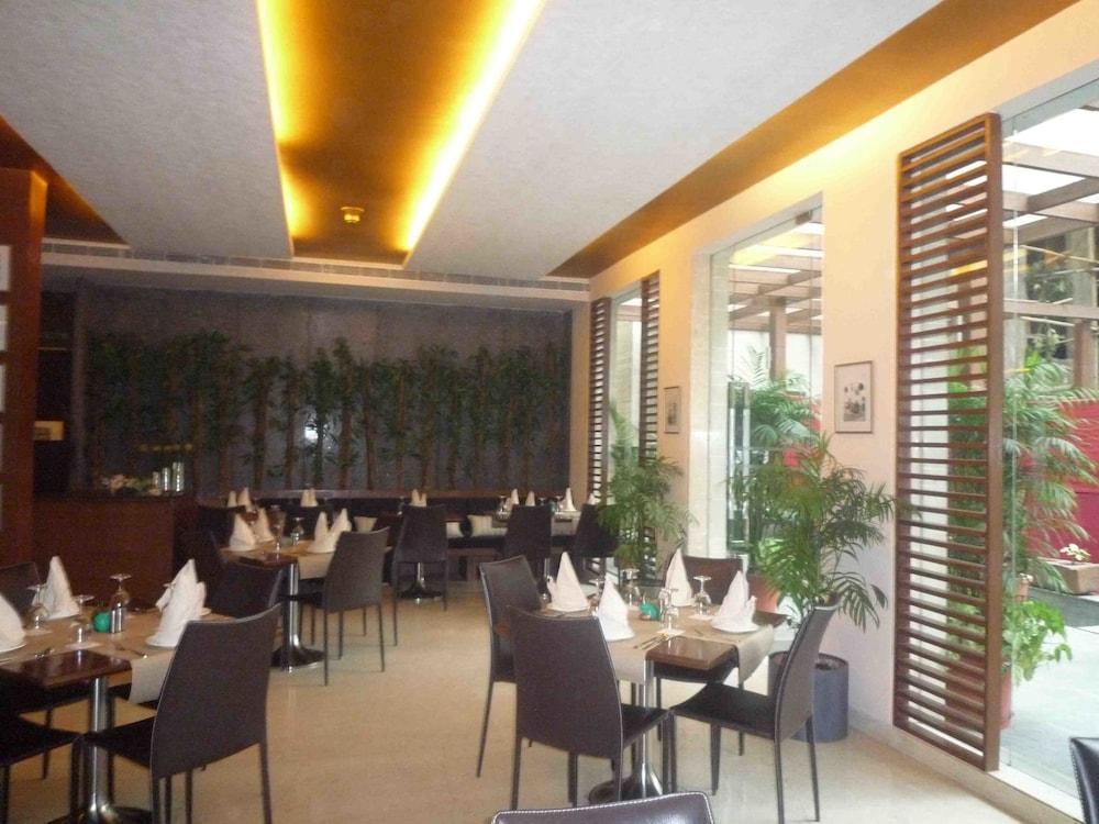 더 비사야(The Visaya) Hotel Image 24 - Restaurant