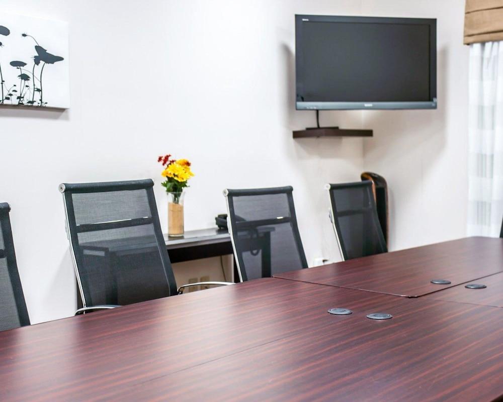 슬립 인 앤드 스위트 포트 캠벨(Sleep Inn & Suites Fort Campbell) Hotel Image 23 - Meeting Facility