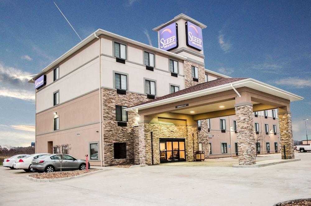 슬립 인 앤드 스위트 포트 캠벨(Sleep Inn & Suites Fort Campbell) Hotel Image 26 - Exterior detail
