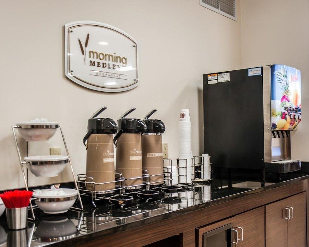 슬립 인 앤드 스위트 포트 캠벨(Sleep Inn & Suites Fort Campbell) Hotel Image 22 - Breakfast Area