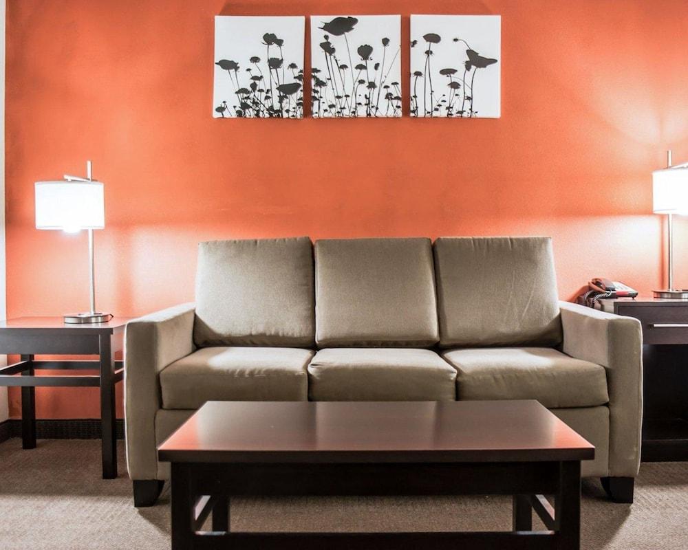 슬립 인 앤드 스위트 포트 캠벨(Sleep Inn & Suites Fort Campbell) Hotel Image 13 - Guestroom