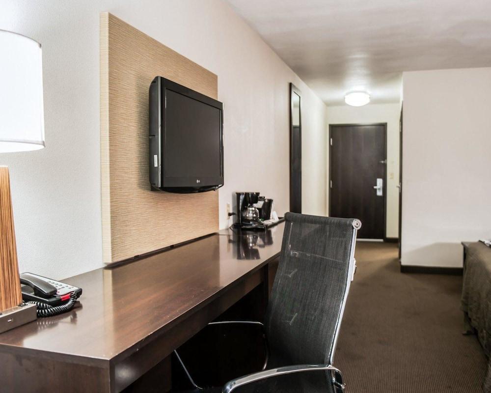 슬립 인 앤드 스위트 포트 캠벨(Sleep Inn & Suites Fort Campbell) Hotel Image 28 - Guestroom