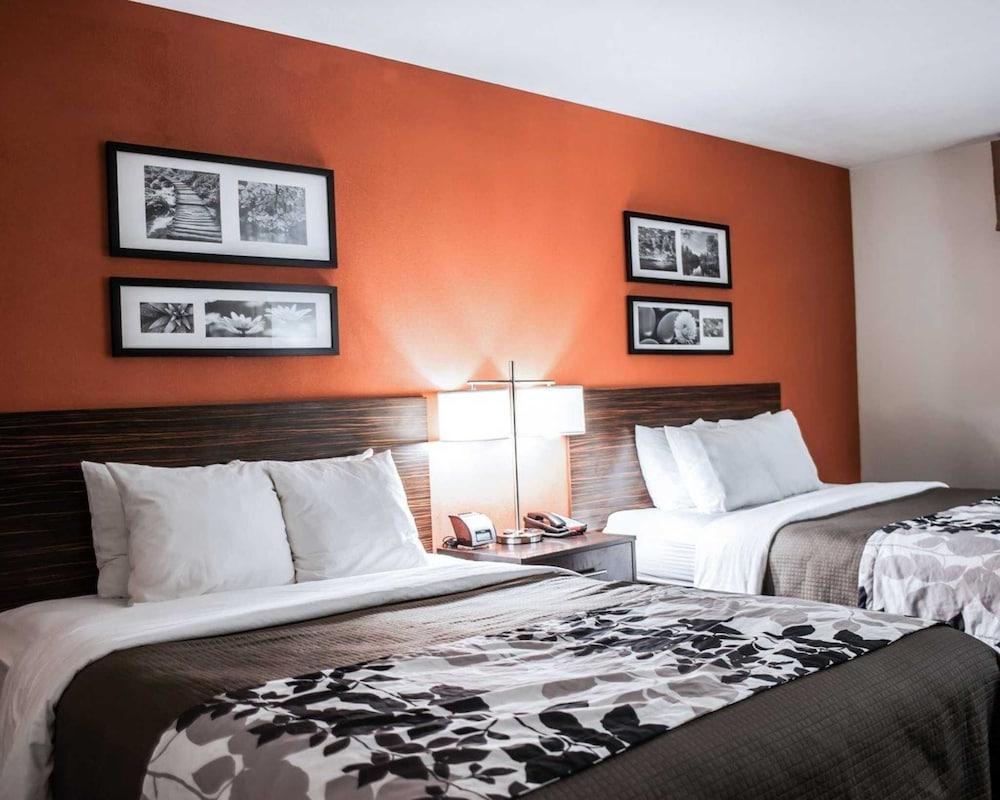 슬립 인 앤드 스위트 포트 캠벨(Sleep Inn & Suites Fort Campbell) Hotel Image 14 - Exterior