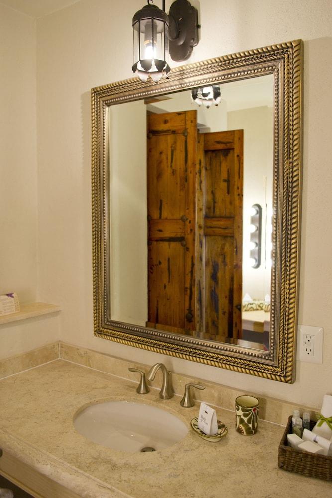 카사 프리마베라 호텔 부티크 & 스파(Casa Primavera Hotel Boutique & Spa) Hotel Image 35 - Bathroom