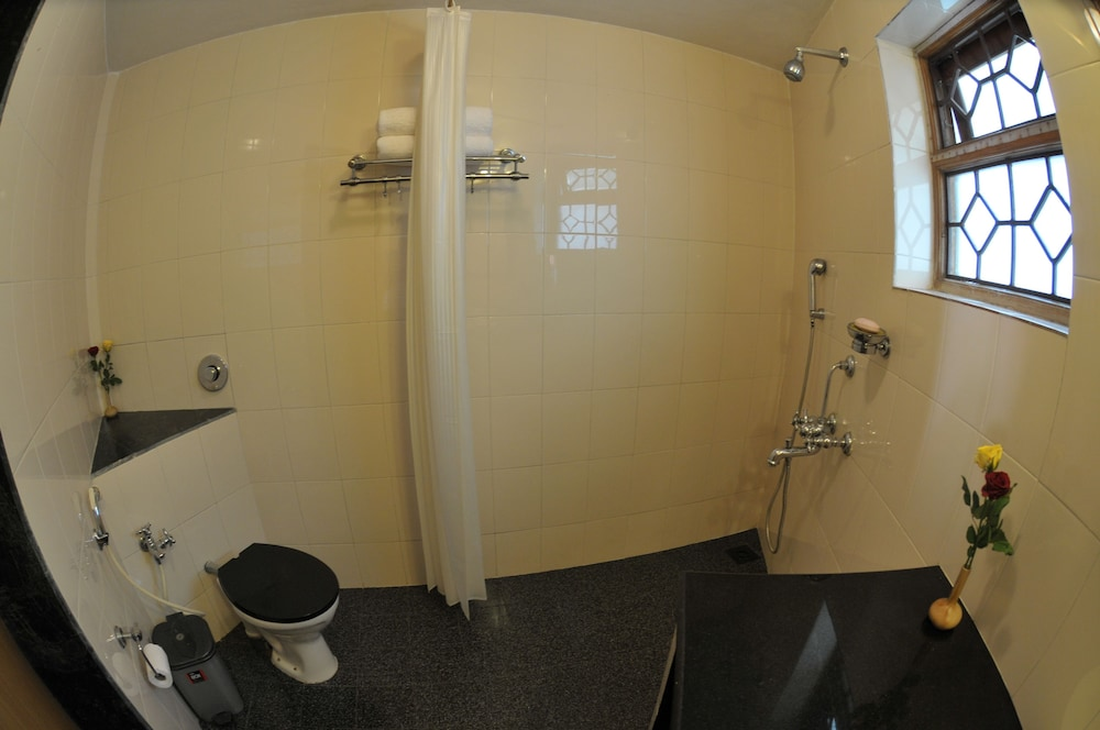 레오네이 리조트(Leoney Resort) Hotel Thumbnail Image 9 - Bathroom