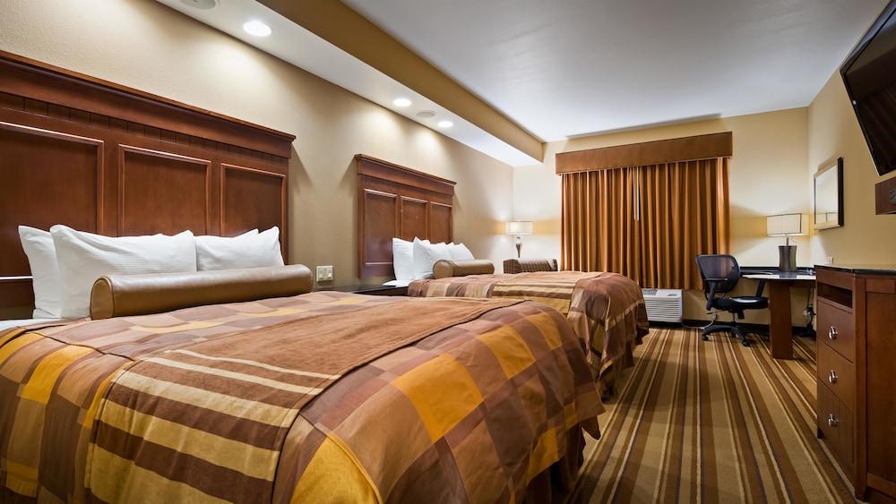 베스트 웨스턴 프리미어 KC 스피드웨이 인 & 스위트(Best Western Premier KC Speedway Inn & Suites) Hotel Image 7 - Guestroom