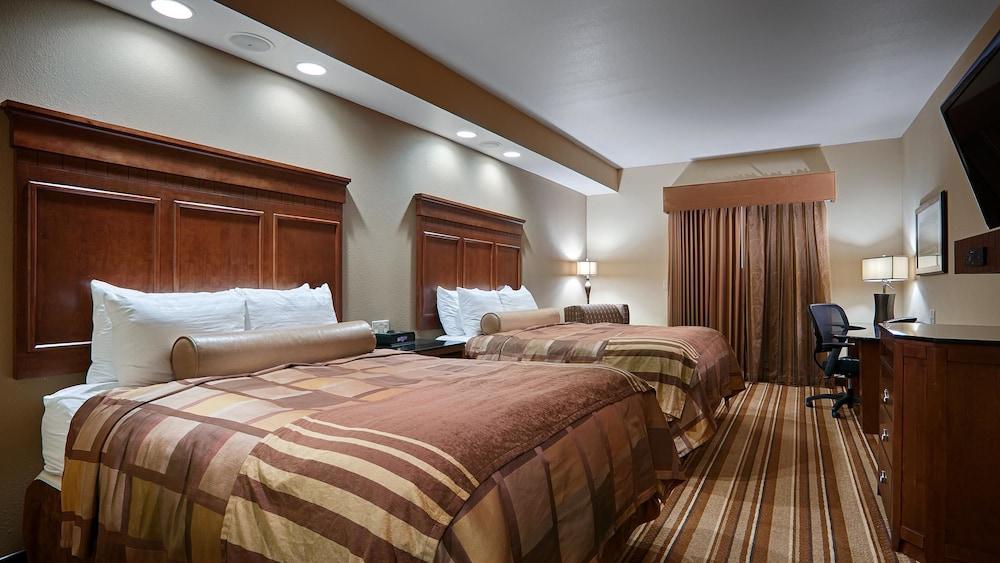 베스트 웨스턴 프리미어 KC 스피드웨이 인 & 스위트(Best Western Premier KC Speedway Inn & Suites) Hotel Image 5 - Guestroom