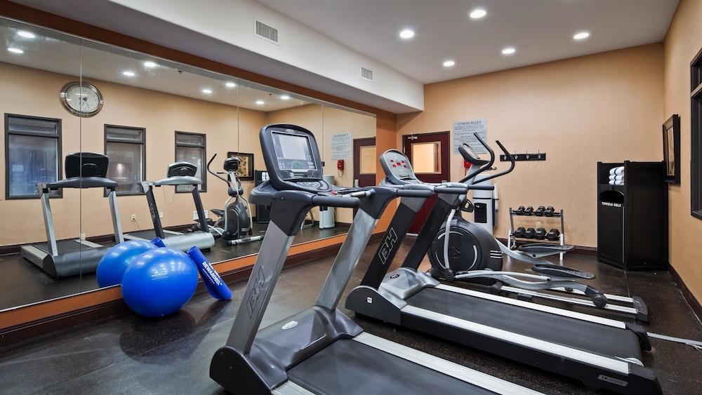 베스트 웨스턴 프리미어 KC 스피드웨이 인 & 스위트(Best Western Premier KC Speedway Inn & Suites) Hotel Image 15 - Fitness Facility