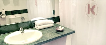 호텔 믹스 알레아(Hotel Mix Alea) Hotel Image 15 - Bathroom