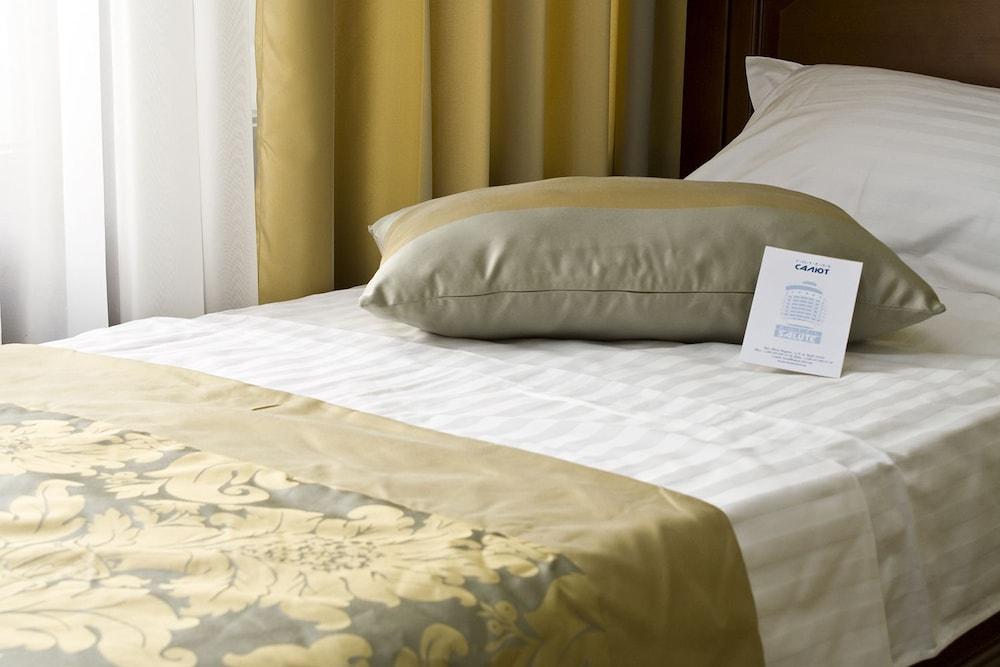 Отель «Салют»