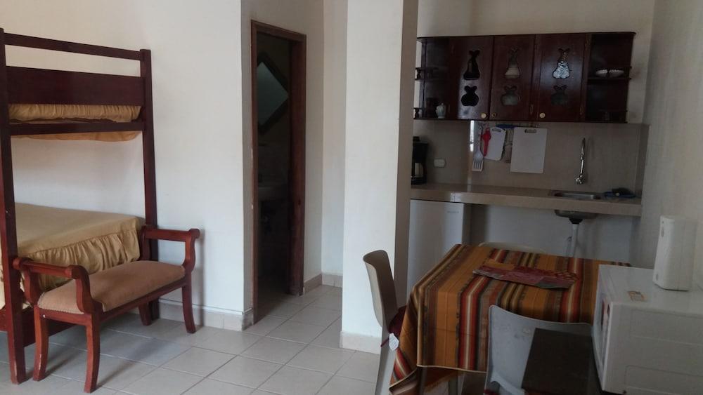 호텔 피에드라 델 마르(Hotel Piedra del Mar) Hotel Image 8 - Guestroom