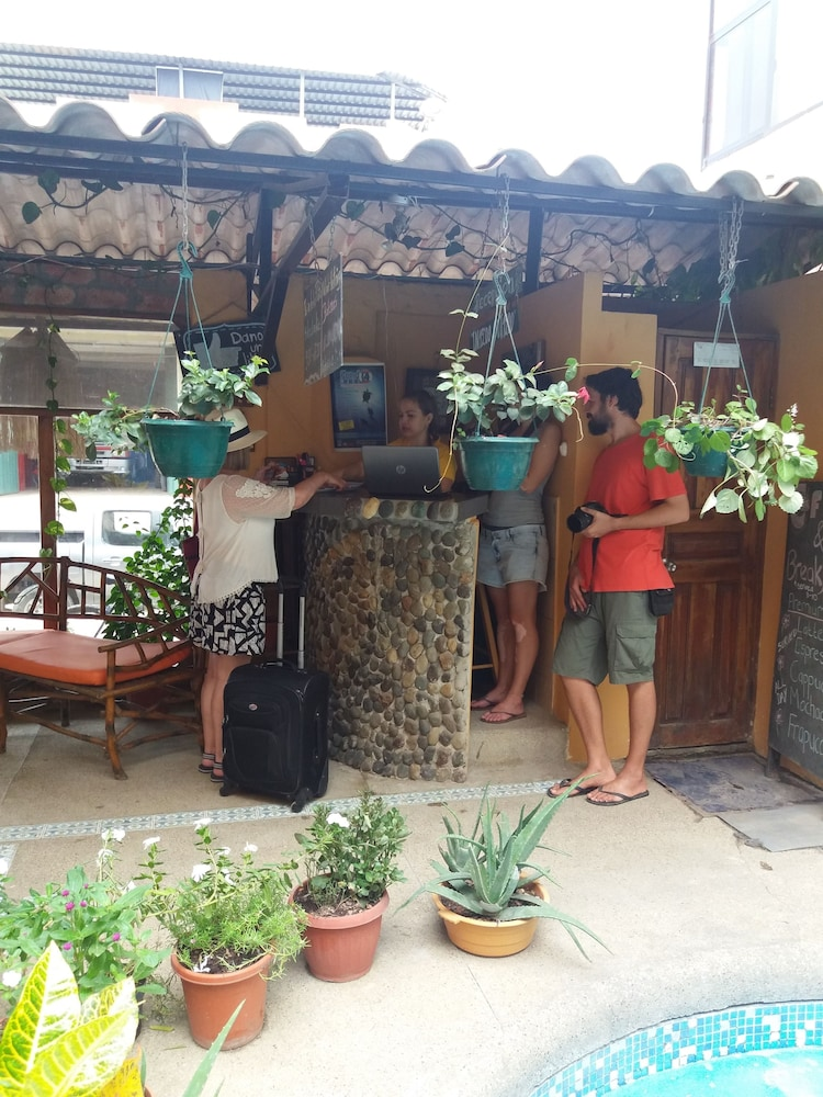 호텔 피에드라 델 마르(Hotel Piedra del Mar) Hotel Image 24 - Interior Entrance
