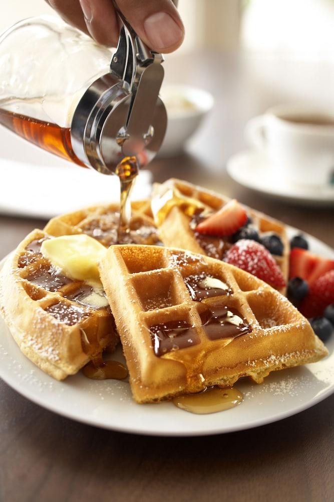 컨트리 인 & 스위트 바이 래디슨, 애슐랜드 - 하노버, 버지니아(Country Inn & Suites by Radisson, Ashland - Hanover, VA) Hotel Image 16 - Breakfast Area