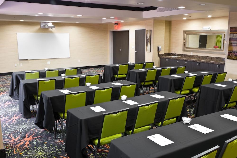 햄프턴 스위트 털사 센트럴(Hampton Suites Tulsa Central) Hotel Image 29 - Miscellaneous