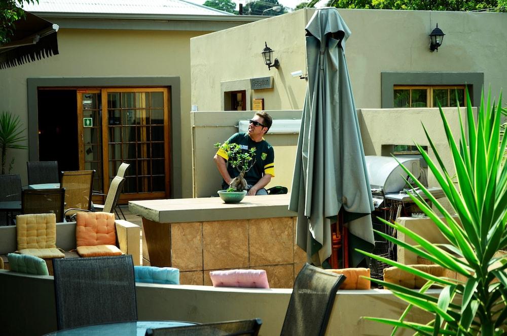 세븐스 스트리트 게스트하우스(7th Street Guesthouse) Hotel Image 74 - BBQ/Picnic Area