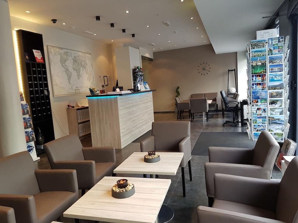 시티 센터 호텔(City Center Hotel) Hotel Image 0 - Lobby Sitting Area