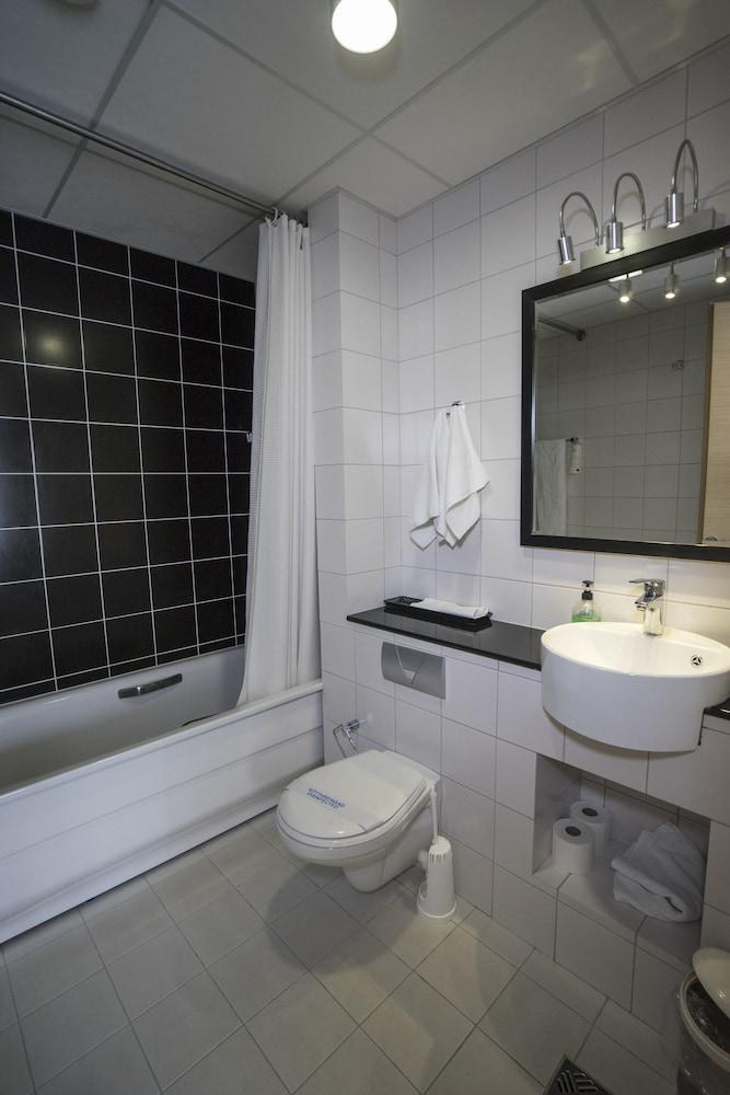 시티 센터 호텔(City Center Hotel) Hotel Image 28 - Bathroom