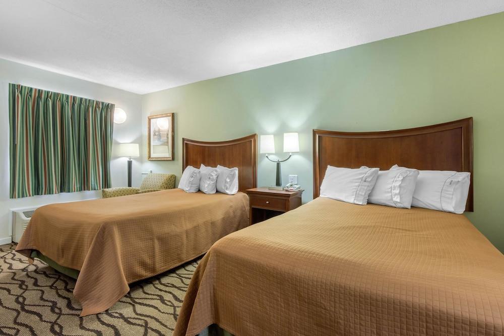 로드웨이 인(Rodeway Inn) Hotel Image 10 - Guestroom