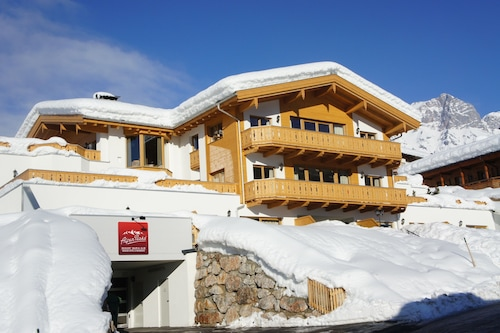 AlpenParks Maria Alm - Appartments, Zell am See