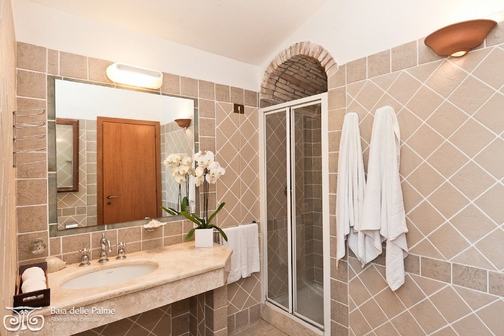 레지던스 바이아 델레 팔메(Residence Baia delle Palme) Hotel Image 23 - Bathroom
