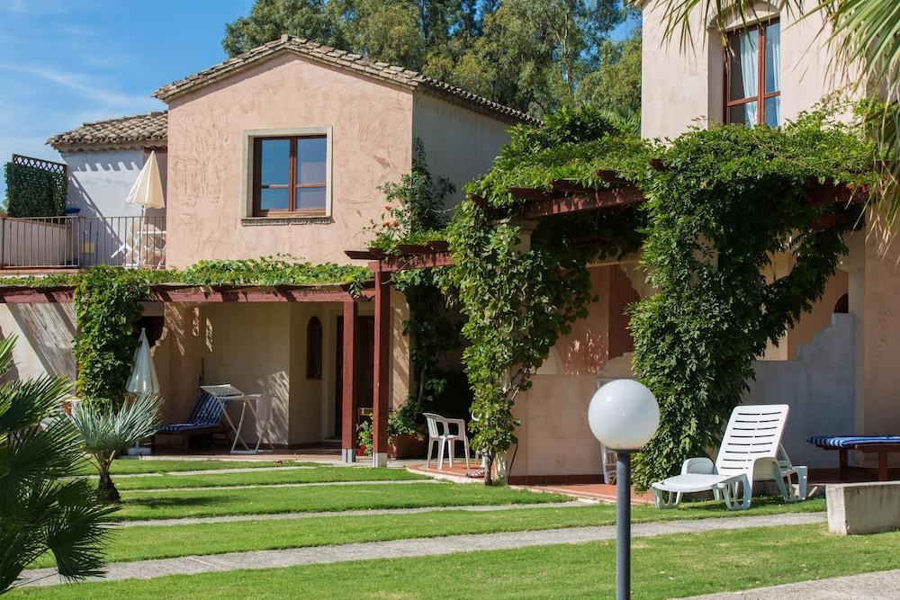 레지던스 바이아 델레 팔메(Residence Baia delle Palme) Hotel Image 0 - Featured Image