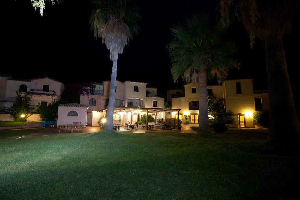 레지던스 바이아 델레 팔메(Residence Baia delle Palme) Hotel Image 35 - Hotel Bar