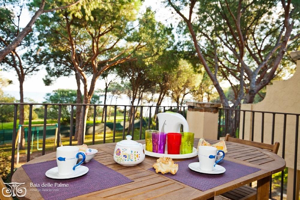 레지던스 바이아 델레 팔메(Residence Baia delle Palme) Hotel Image 41 - Guestroom View