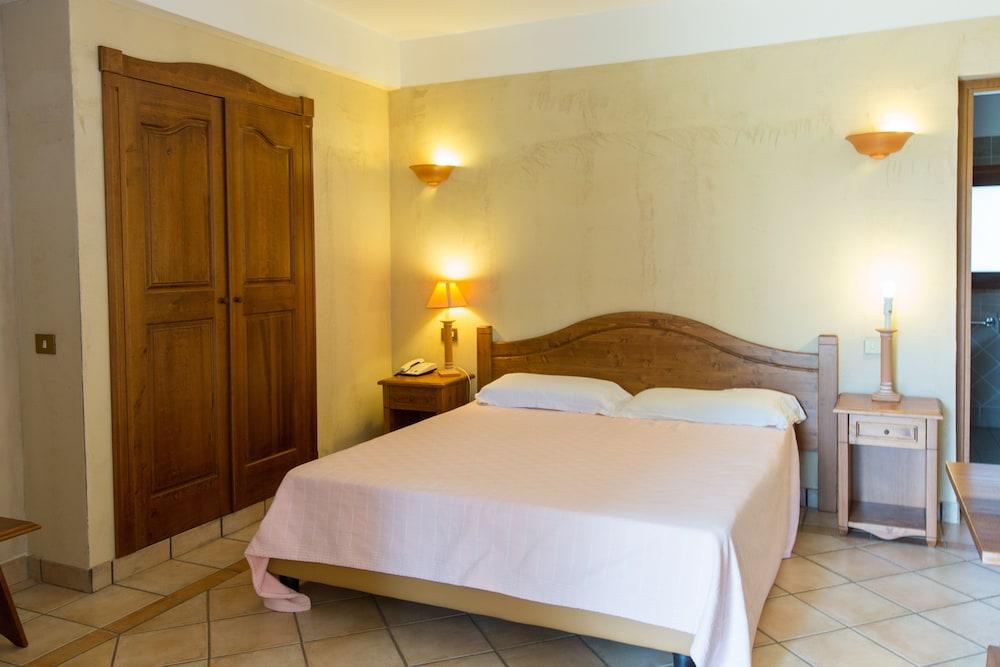 레지던스 바이아 델레 팔메(Residence Baia delle Palme) Hotel Image 3 - Guestroom