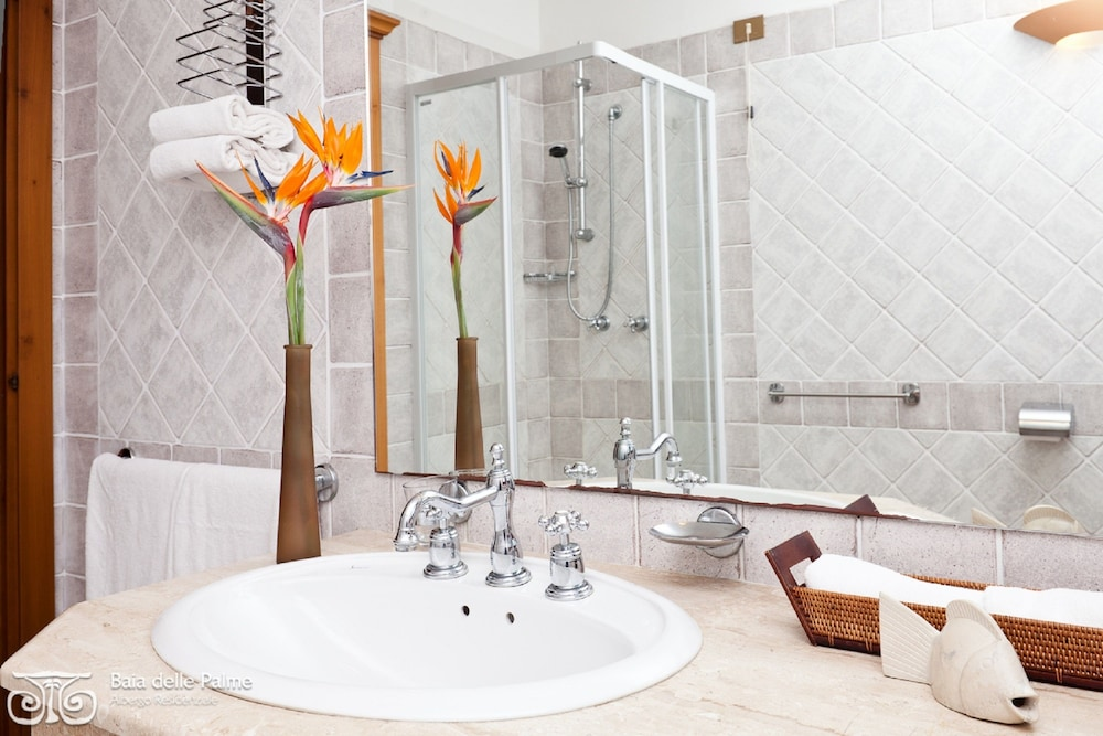 레지던스 바이아 델레 팔메(Residence Baia delle Palme) Hotel Image 25 - Bathroom