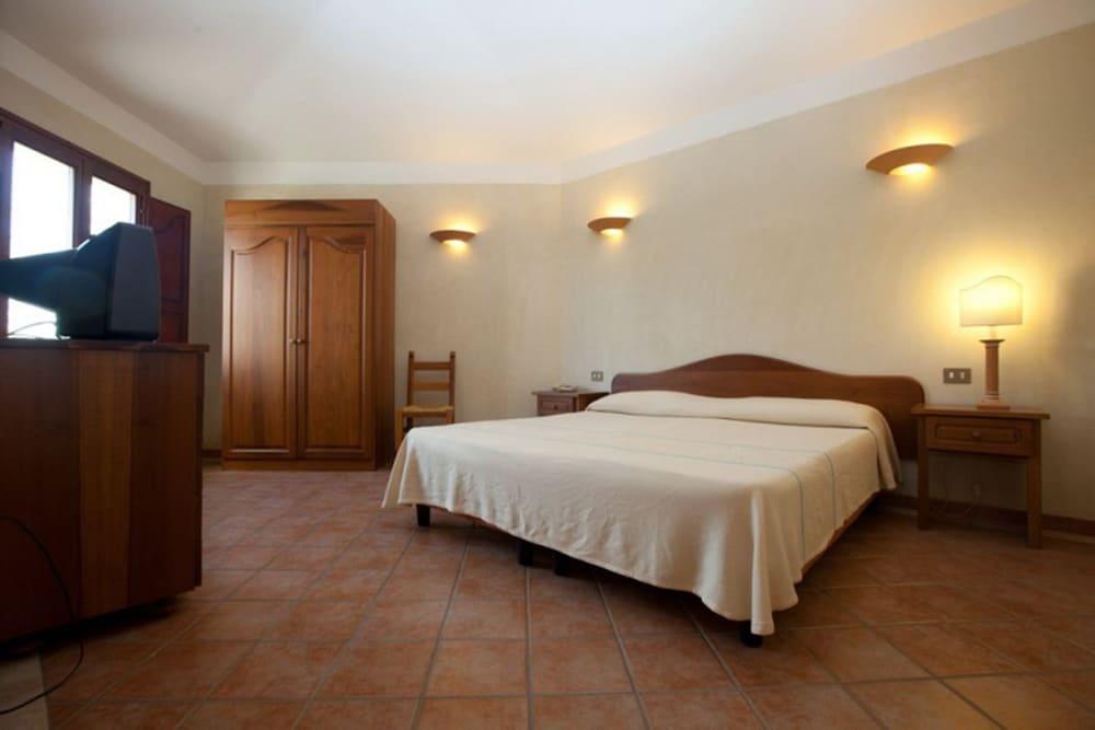 레지던스 바이아 델레 팔메(Residence Baia delle Palme) Hotel Image 15 - Guestroom