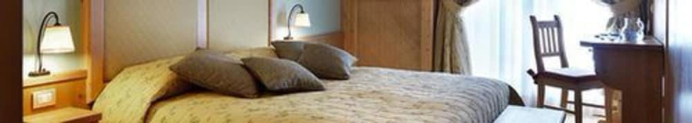 사보이아 팰리스(Savoia Palace) Hotel Image 5 - Guestroom